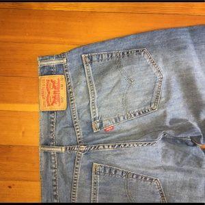 Levi's 505 Men's Straight Cut Jeans